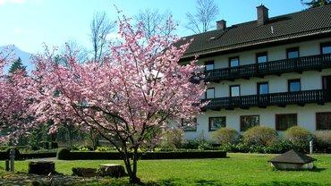 Haus Brannenburg Garten Außenansicht